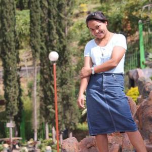Puisi Rosalia Dalima Boki: Gadis Kerudung Merah Jambu