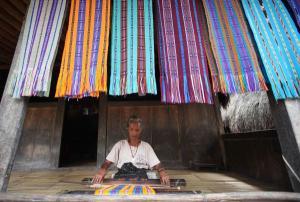 Pemkab Flotim Jadikan Menenun sebagai Mata Pelajaran di Sekolah