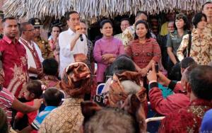 Tudingan Kerumunan Jokowi di Maumere Diorganisir, Tokoh: Jangan buat Hati Kami Sakit!