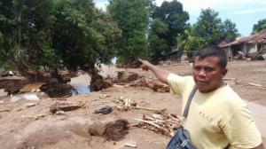 Lapar Tengah Malam Selamatkan Muklisin dan Rekan dari Amukan Banjir Bandang di Adonara Timur